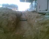 Укладка труб для прокладки кабеля в земле