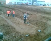 Утрамбовка песка виброплитой