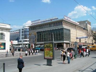 Здание театра Музкомедии