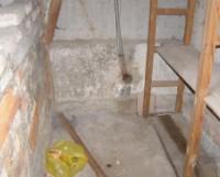 Старая проводка в подвальных помещениях