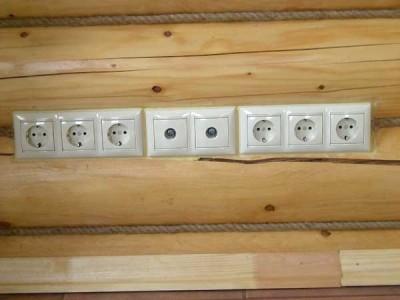 Электромонтаж розеток в деревянном доме