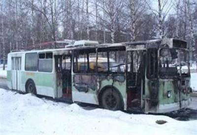 Возгорание троллейбуса из-за короткого замыкания