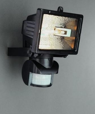 Монтаж прожекторов с датчиком движения