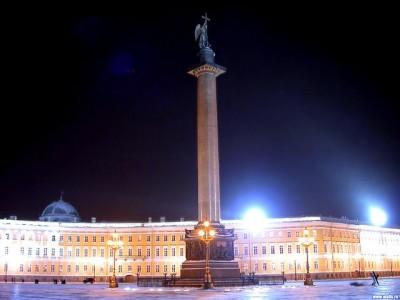 Освещене Александровской колонны