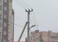 Опоры линий электропередач в жилом секторе