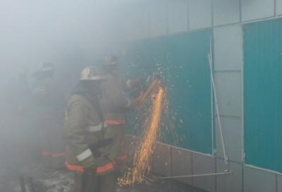 Пожар из-за короткого замыкания в цветочном павильоне