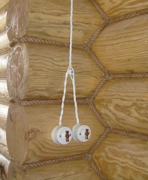 Для проведения проводки требуют уложить ее в кабель канале, а дальше по стене в коробе, или в трубе.