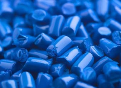 Пластмасса может проводить электрический ток.