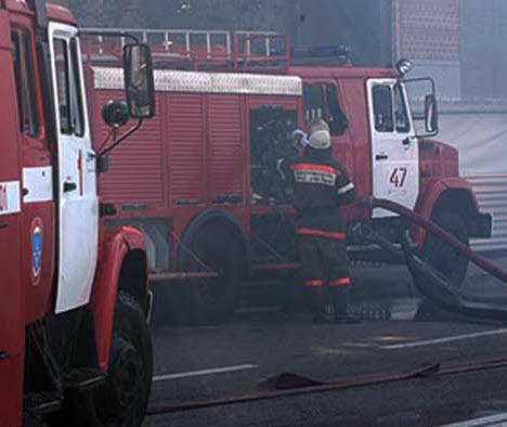 Пожарники спасли трех киевлян, которые горели из-за пожара на 3 этаже