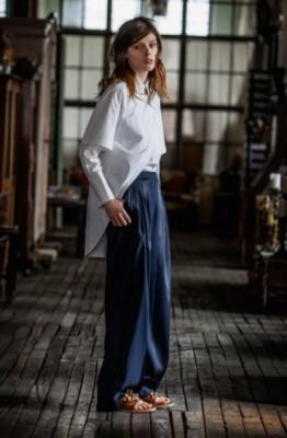 Модные прямые брюки