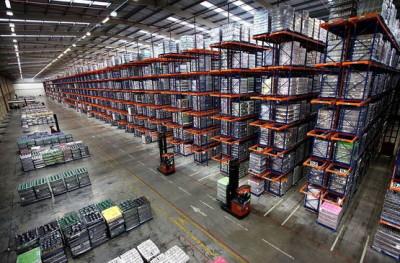 Освещение складского помещения
