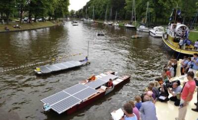 Лодка на солнечных модулях