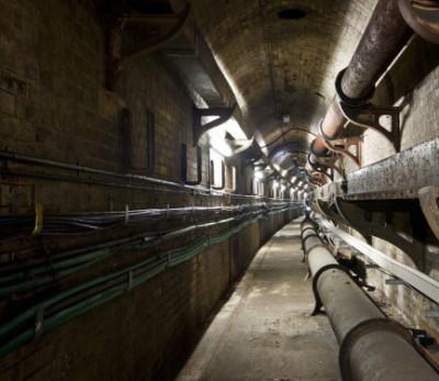 Покладка кабеля в тунелях