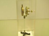 фотоэлемент конструкции А.Г. Столетова 1888 г., который стал прототипом всех современных фотоэлементов