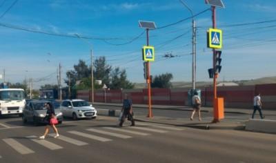 Светофор на перекрестке