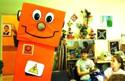 Робот Вольтик