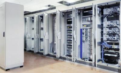 Полы для серверных
