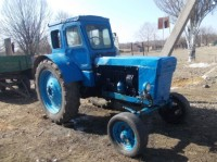 Трактор сбил столб