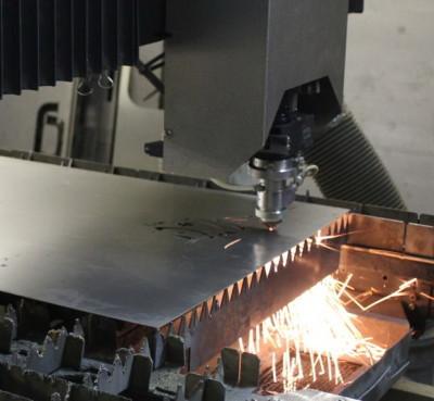 выполнение резки высокоточным лазером